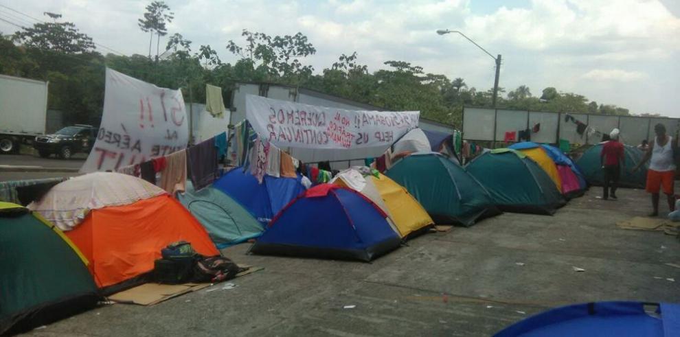 Los cubanos de la frontera, a hoteles
