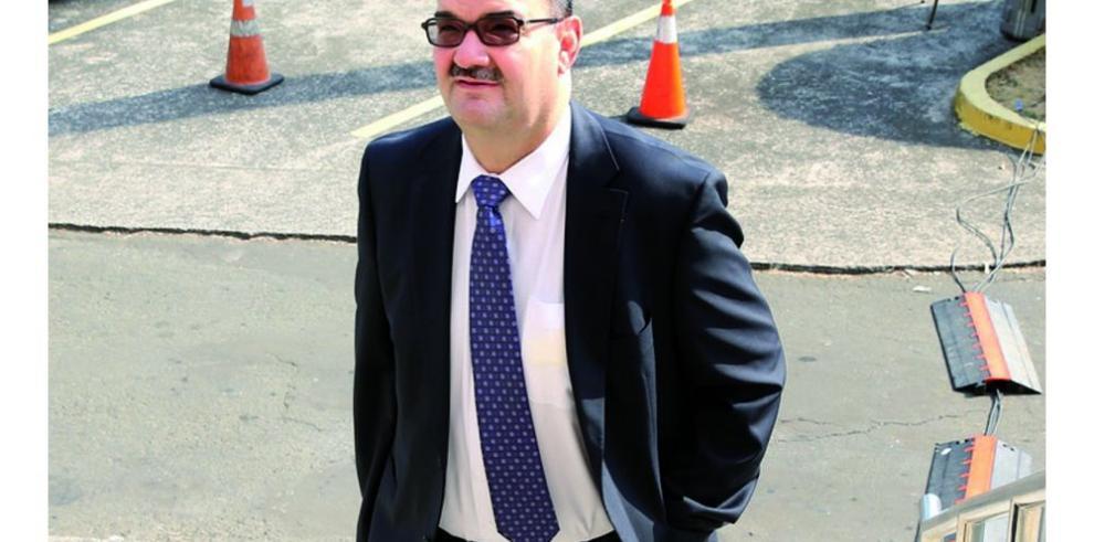 Presentan acción de habeas corpus a favor de Martinelli