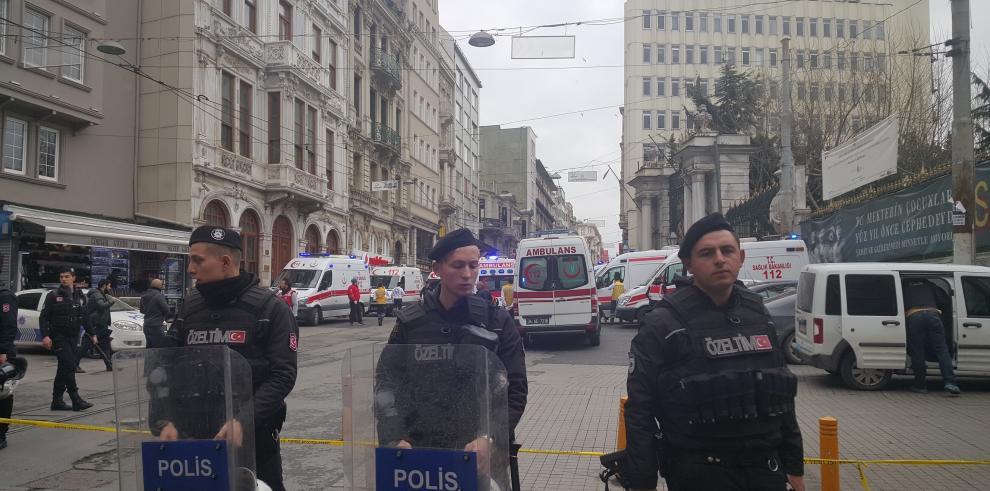 Nuevo atentado suicida en zona comercial de Estambul deja 4 muertos