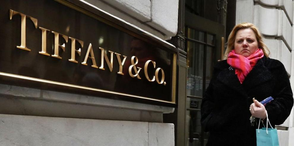 Joyera Tiffany, pesimista tras caída de ventas en el año 2015-2016