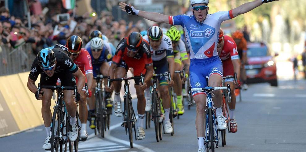 El francés Arnaud Demare se impone al esprint
