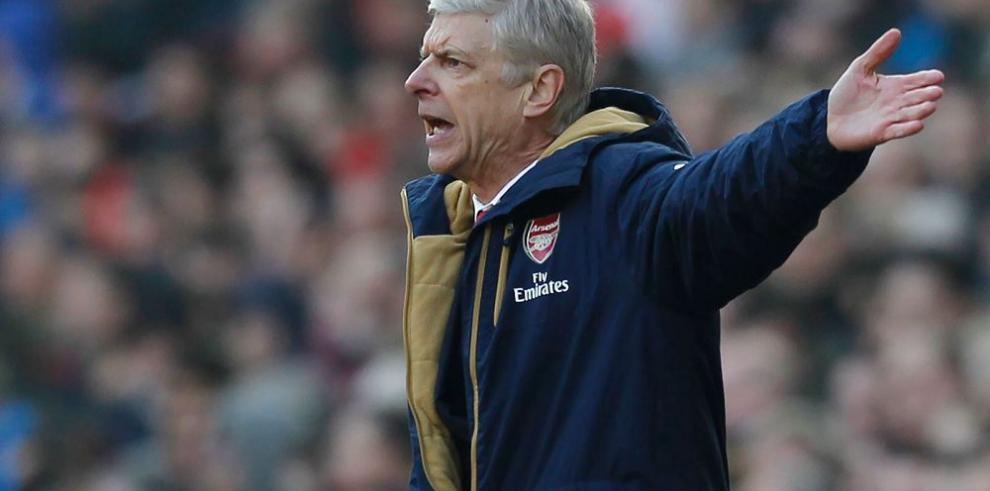 Wenger niega interés por Zlatan Ibrahimovic