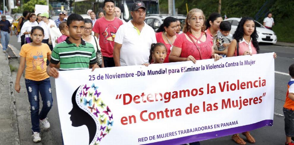 Mujeres dicen 'basta ya de maltratos'
