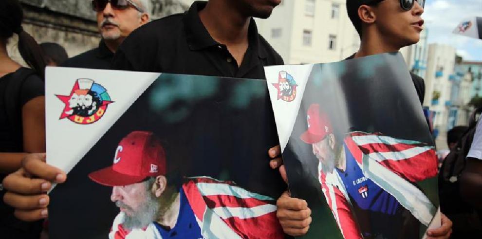 Fidel Castro deja huella en literatura política contemporánea