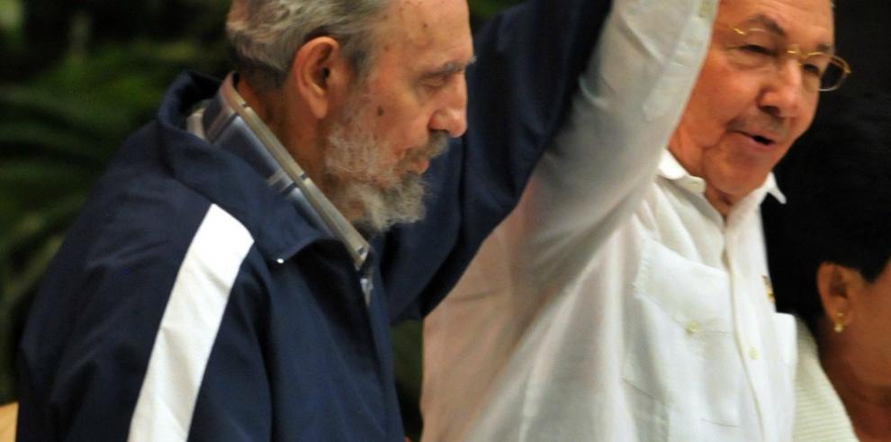Putin telefoneó a Raúl Castro para ofrecerle sus condolencias