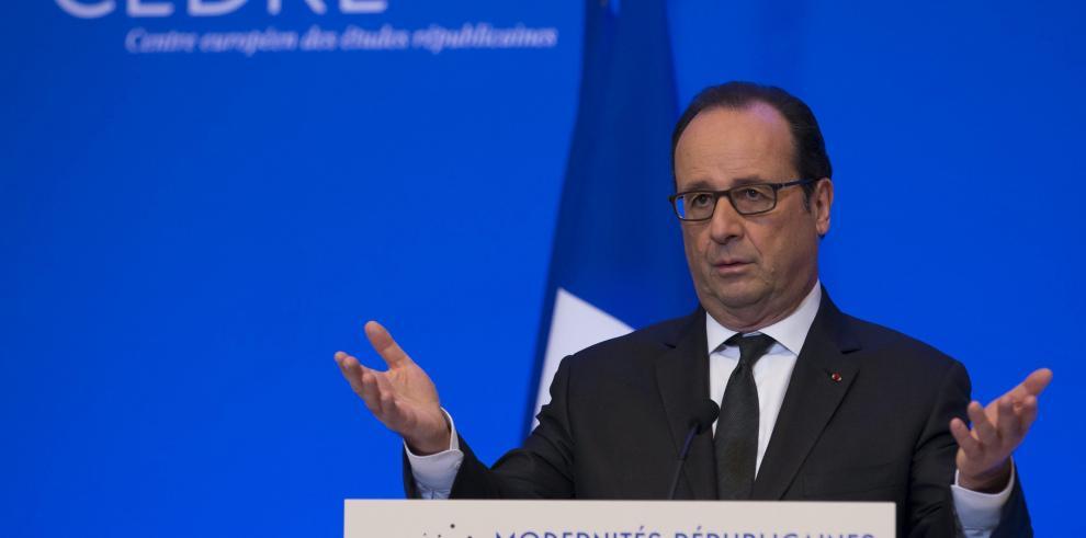 Hollande pide que el embargo a Cuba sea levantado