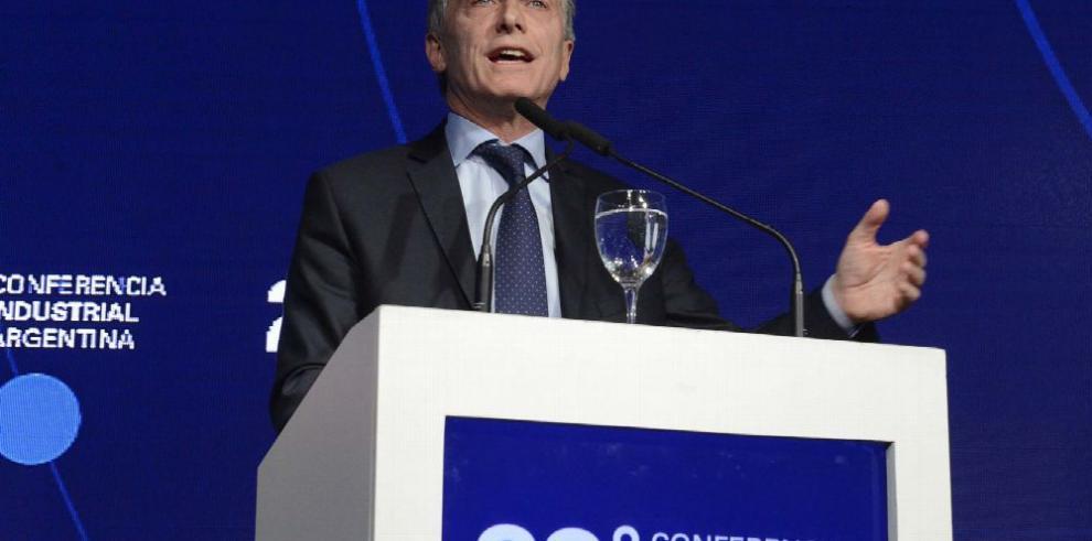 Presidenta del grupo español Santander elogia política económica de Macri