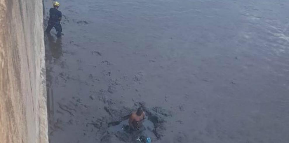 Cae una persona en el tramo marino, tras colisión