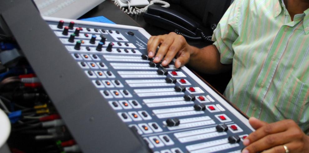 China publica norma sobre administración de emisoras de radio