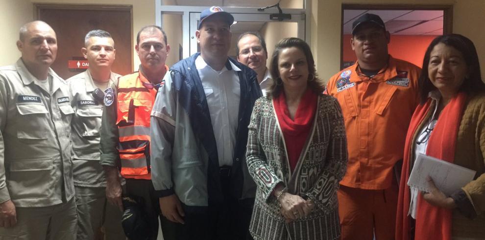 Contingente de 32 rescatistas y 4 aeronaves parten hacia Costa Rica