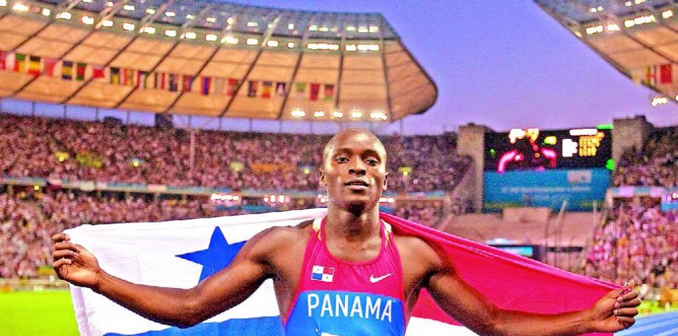 Edward paseará con la bandera de Panamá