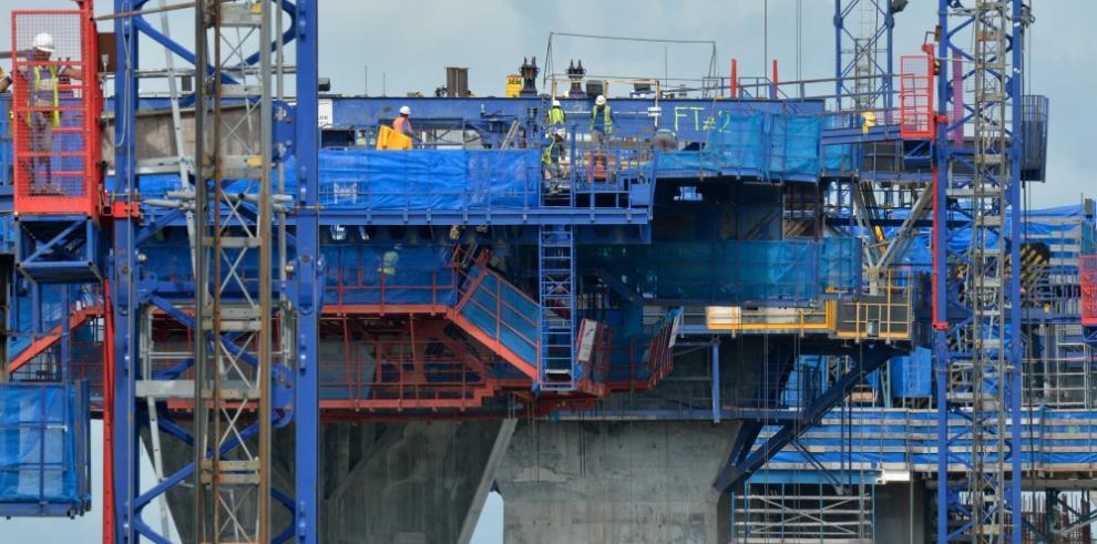Construcción del tercer puente sobre el Canal alcanza el 52% de avance