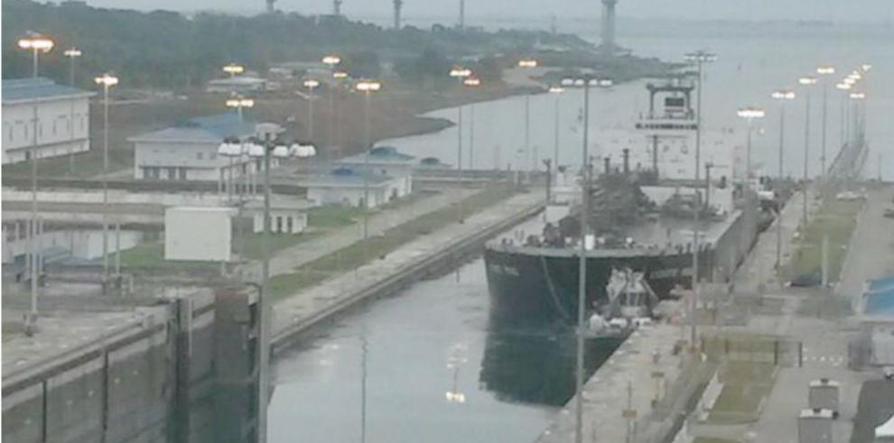 Lycaste Peace, el segundo buque que transita por el Canal ampliado