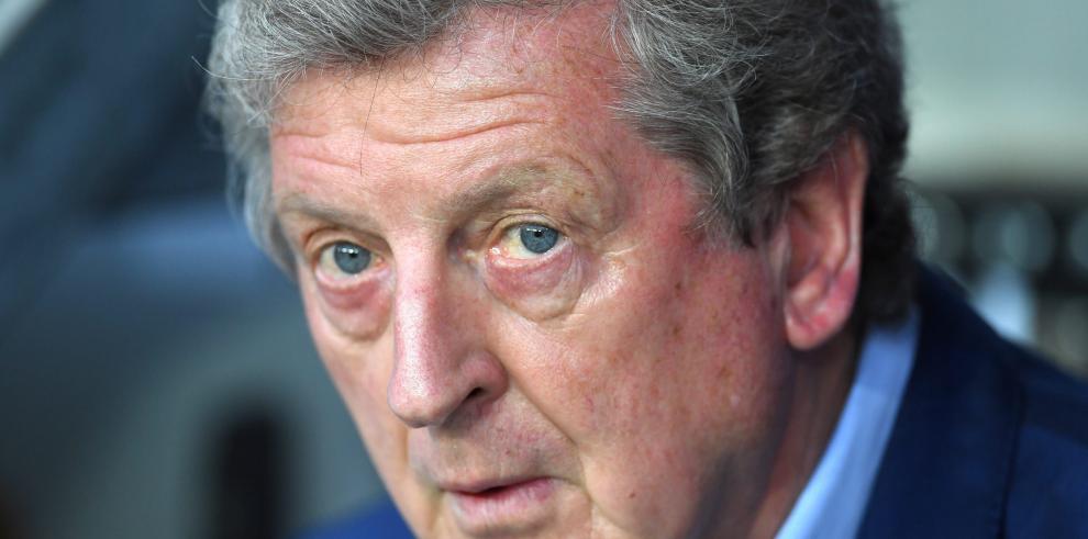 Renuncia director técnico de Inglaterra, tras derrota ante Islandia