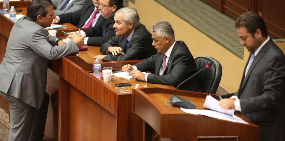CNA pide nueva investigación contra ministro Etchelecu