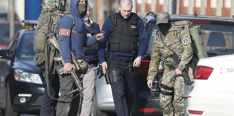 Dos fugados y dos detenidos en operación antiterrorista en Bruselas