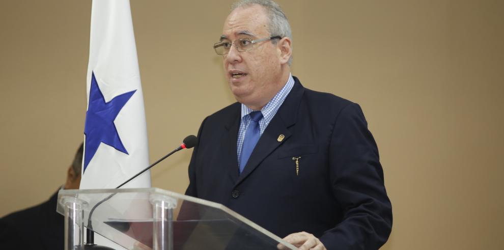 El panameñismo archiva ocho denuncias contra Ayú Prado
