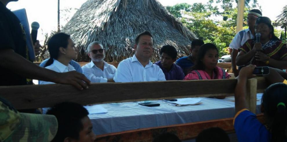 Varela se reunió con dirigentes indígenas en Gualaquita