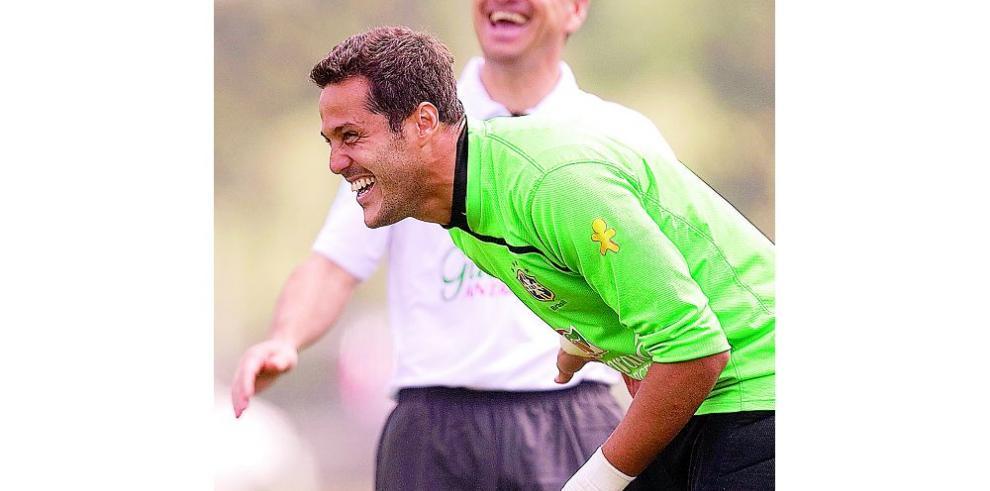'Me quedo en el Benfica', aseguró Julio César