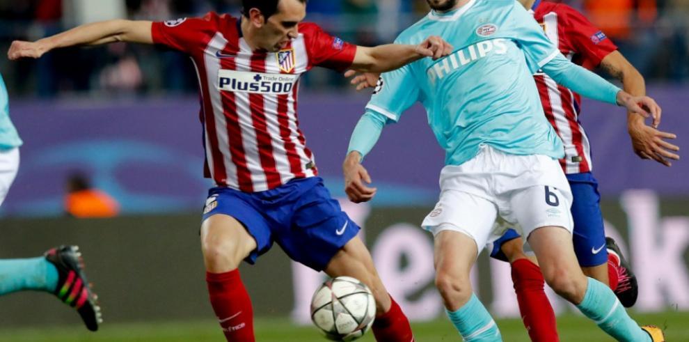 Diego Godín estará cerca de un mes de baja por una lesión en el muslo
