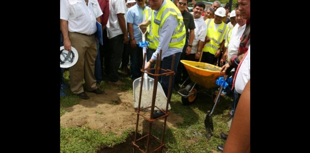 Varela anuncia la construcción de hospital