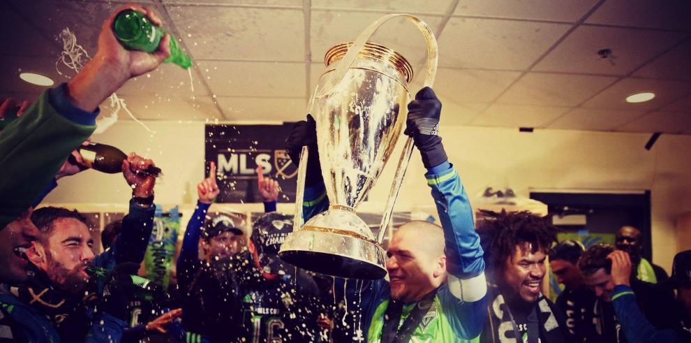 Román Torres se convierte en el héroe delSeattle Sounders