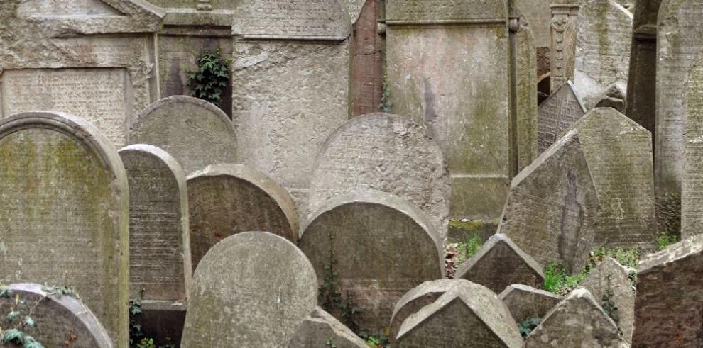 Viejo cementerio judío de Praga se digitaliza