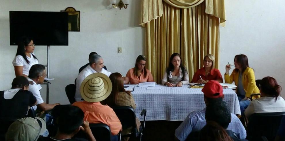 Trabajadores de Petaquilla proponen al Gobierno que les salden 17 quincenas