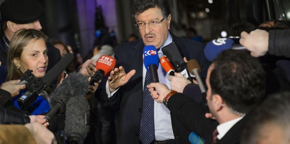 Oposición Siria llega a Ginebra dispuesta a negociar la paz