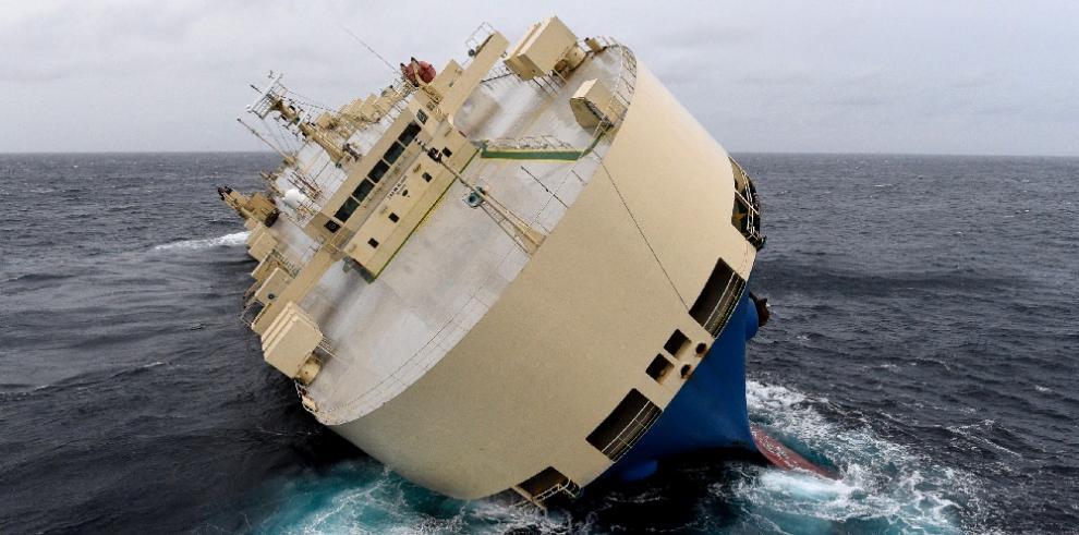 Embarcación con bandera de Panamá lleva cinco días a la deriva