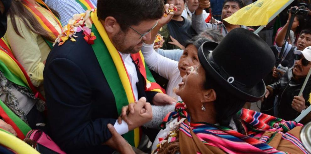 Aplazada sin fecha audiencia para opositor boliviano