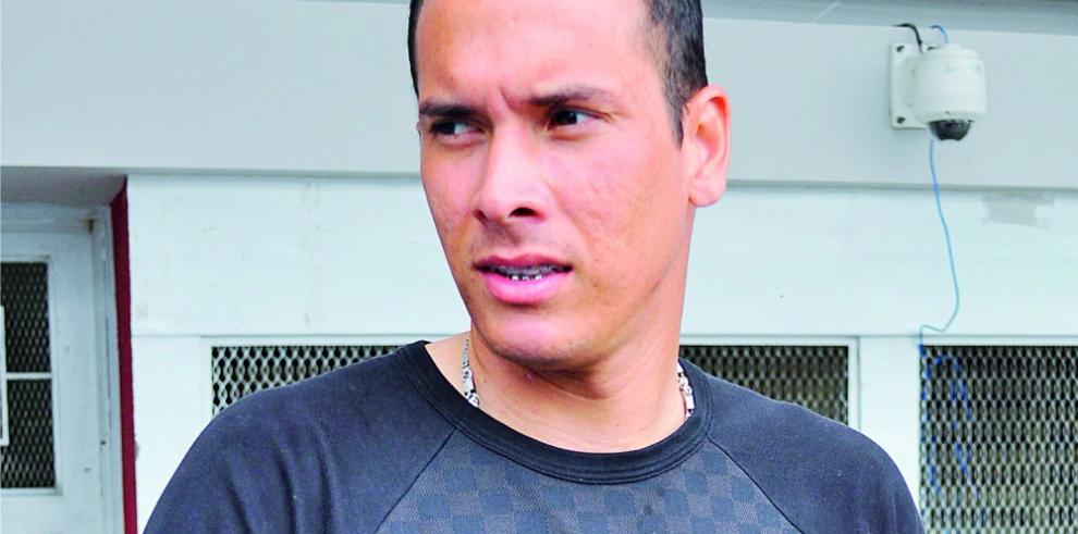 El futbolista Blas Pérez sufre accidente en la vía Centenario