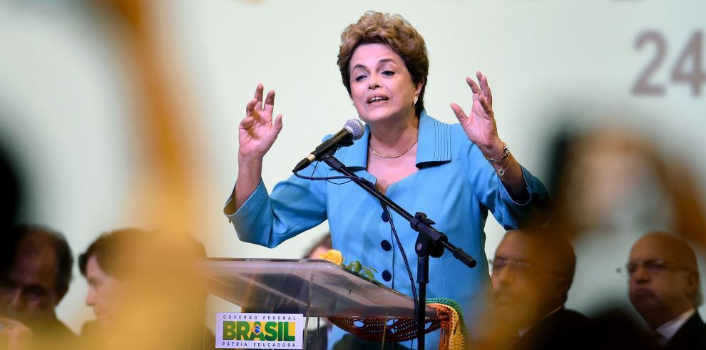 Rousseff reafirma que no dejará que