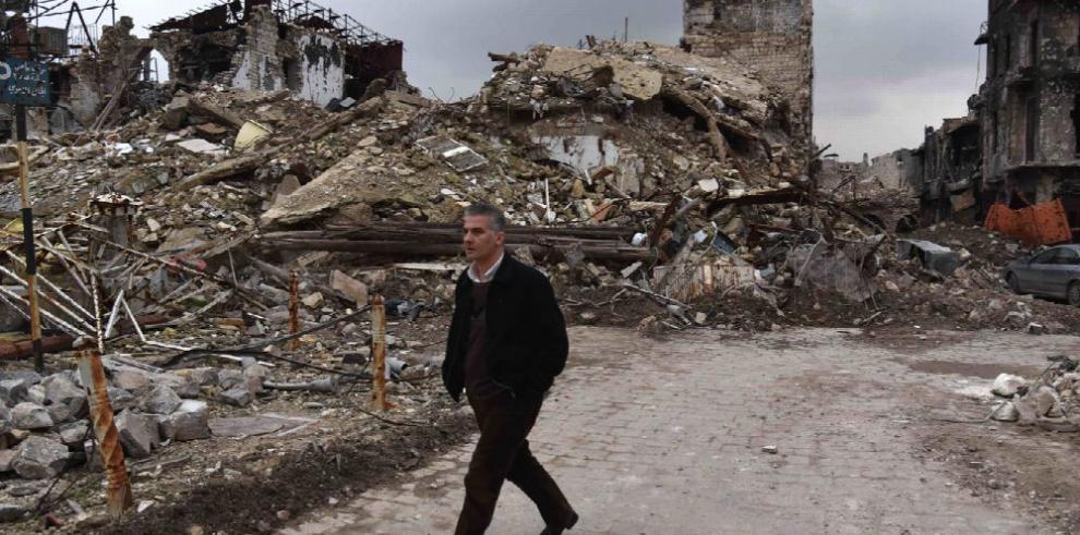 Evacuaciones en Alepo, suspendidas por incendios