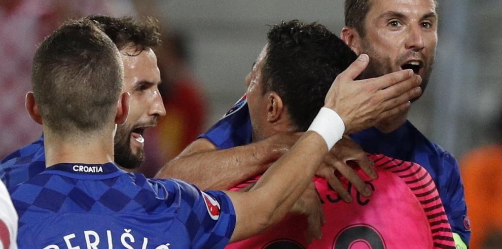 Croacia primero en el grupo D al ganarle a España