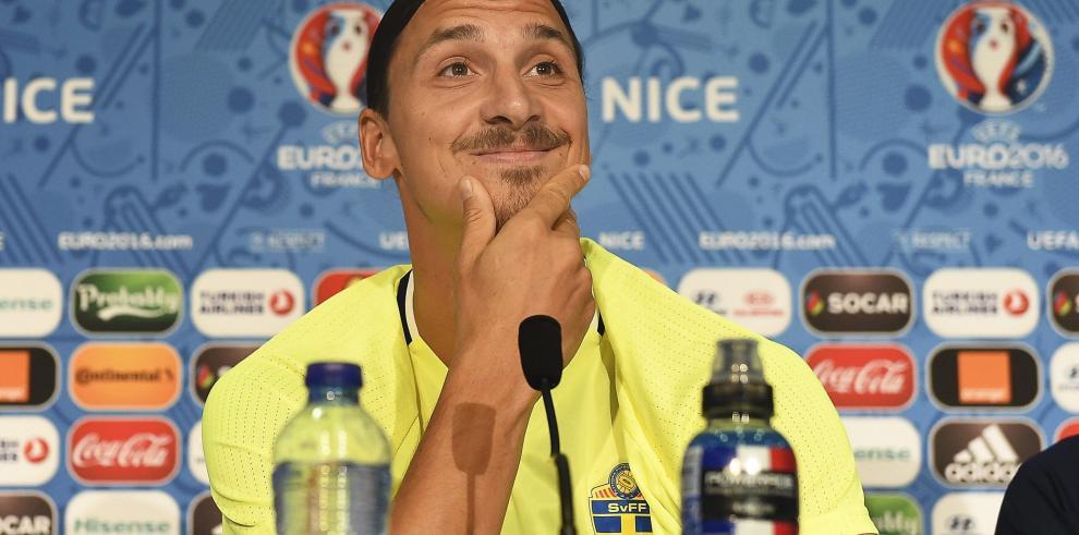 Ibrahimovic anuncia que no seguirá en la selección tras la Eurocopa