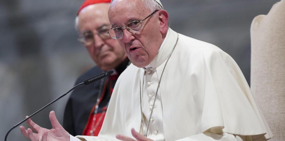 Papa pide abolir la pena de muerte y mejorar condiciones de reclusión