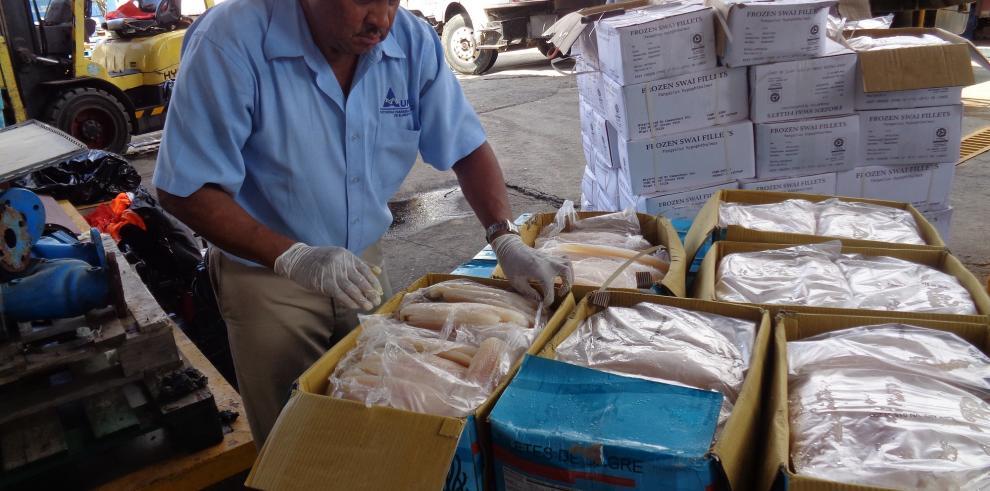 AUPSA destruye pescados contaminados y plátanos de contrabando