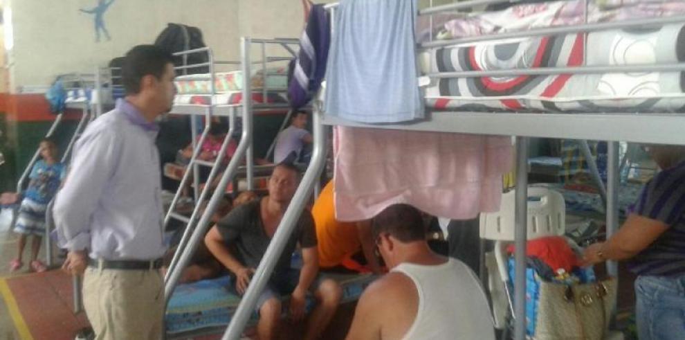 Suspenden traslado de cubanos a gimnasio de zona fronteriza panameña