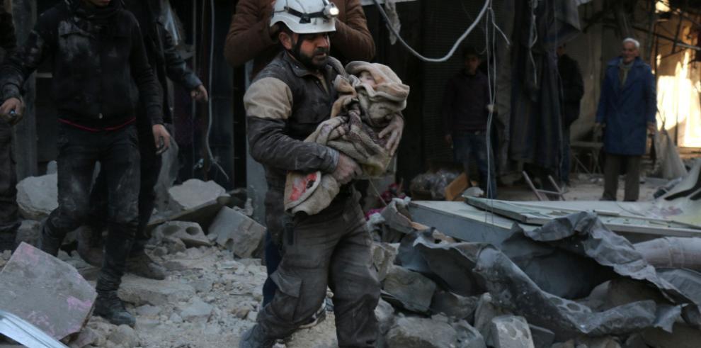 EI refuerza asedio de Deir Ezzor, sus habitantes temen una