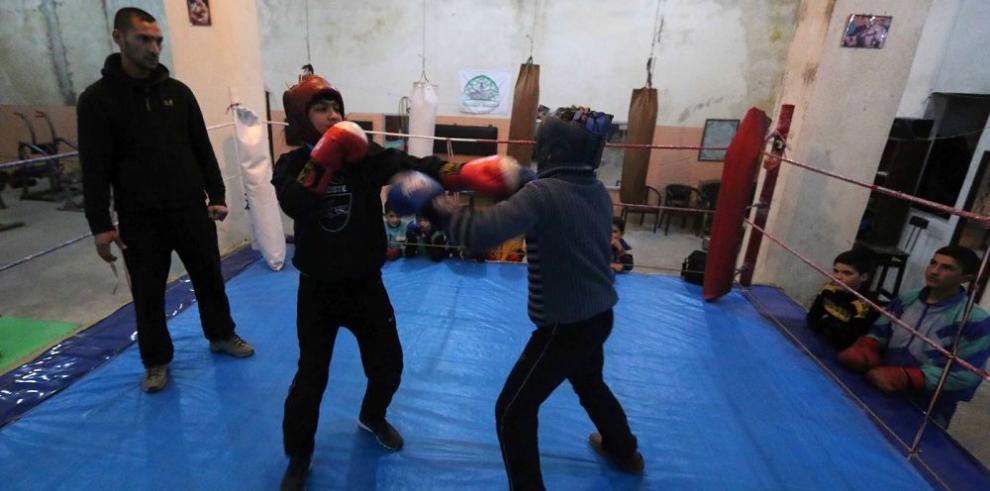 Clases de boxeo, un oasis para los niños en la guerra de Siria
