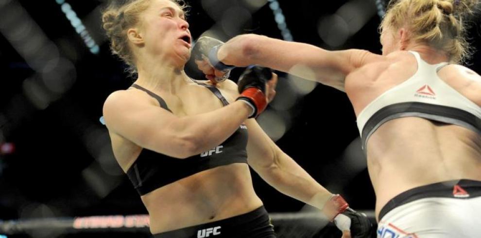 Ronda Rousey pensó en el suicidio tras ser noqueada por Holm