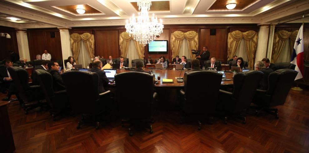 Apruebanreformas para hacer más transparentes las contrataciones