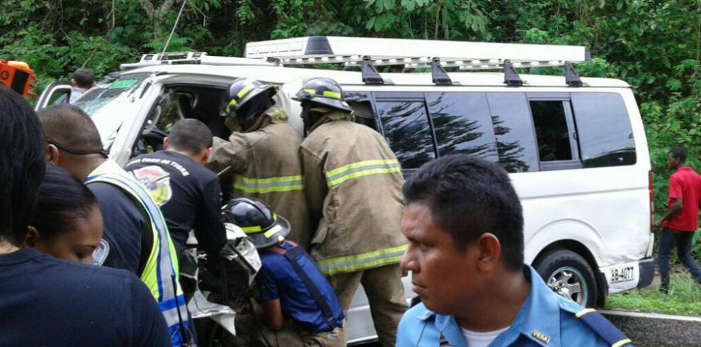 Colisión en vía hacia Veracruz deja 15 heridos