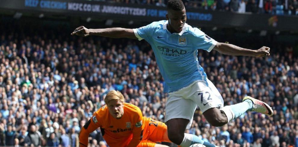 Manchester City enseña sus músculos en la liga inglesa