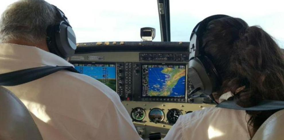 Encuentran segundo flotador del helicóptero HP-1762