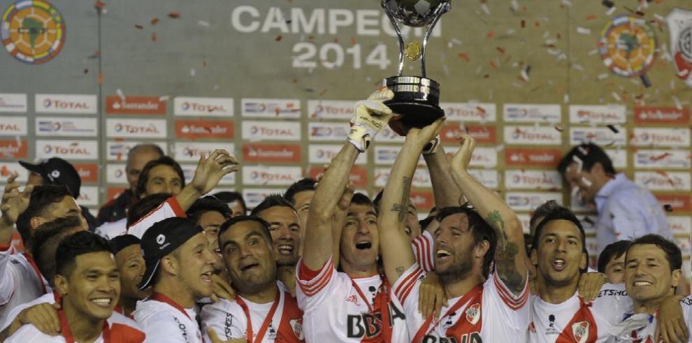 Cavenaghi, exfigura del River Plate le dice adiós al fútbol