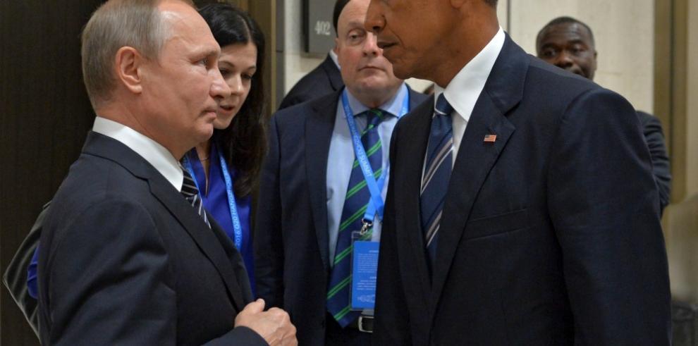 EEUU anuncia expulsión de 35 diplomáticos rusos