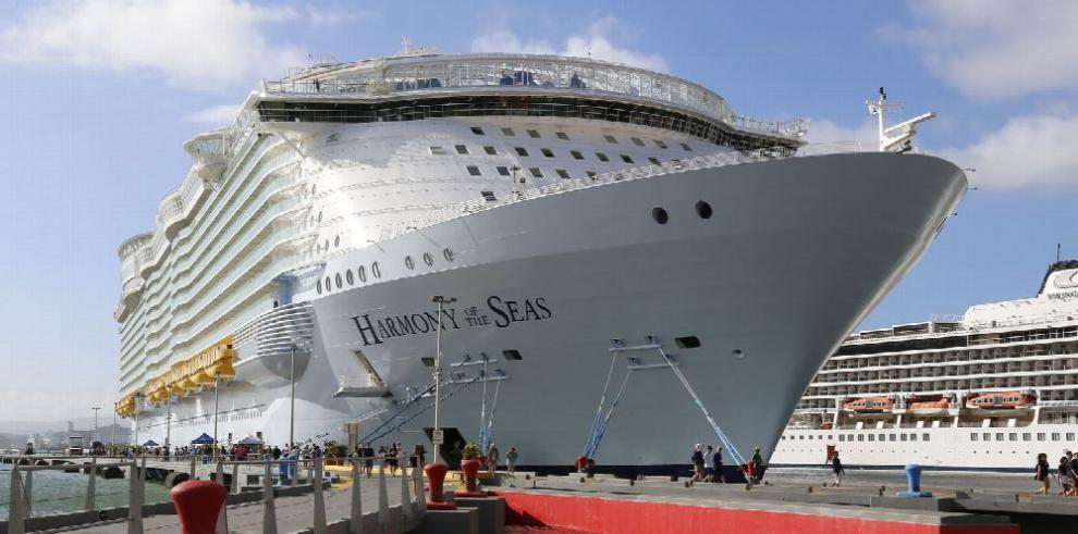 Puerto Rico recibe el crucero más grande del mundo