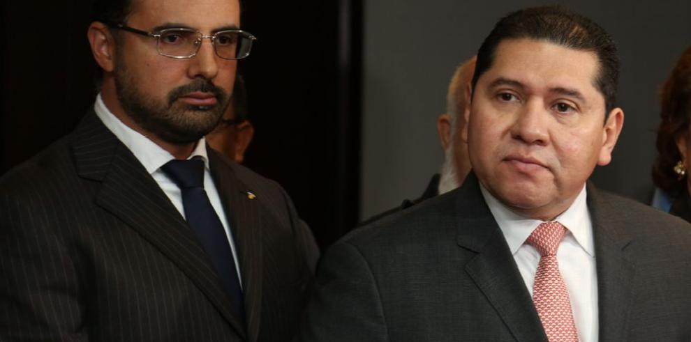 'La constituyente no entrará en este periodo', De León